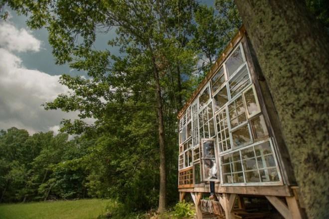 Repurposed-Windows-Cabin-2