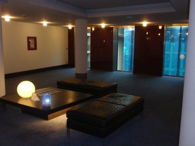 Aquarium-In-Radisson-Sas-Hotel-5