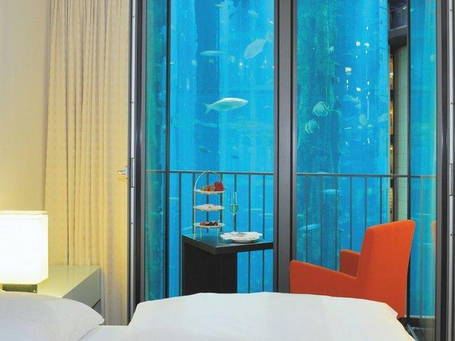 Aquarium-In-Radisson-Sas-Hotel-8