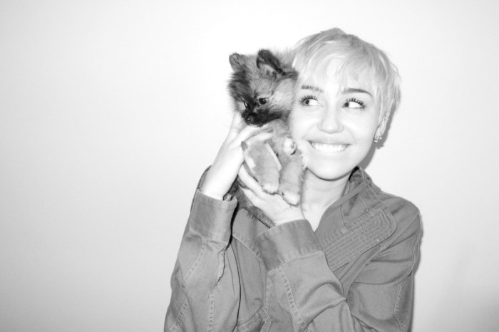 miley-cyrus-dog-moonie-terry-richardson-7
