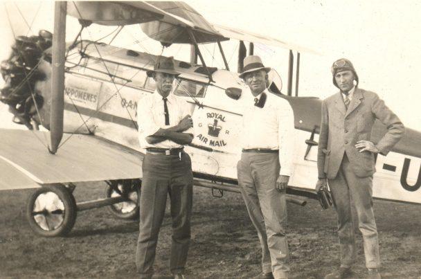 Fergus-McMaster-on-left-Hudson-Fysh-on-right-circa-1929.1930 (2)