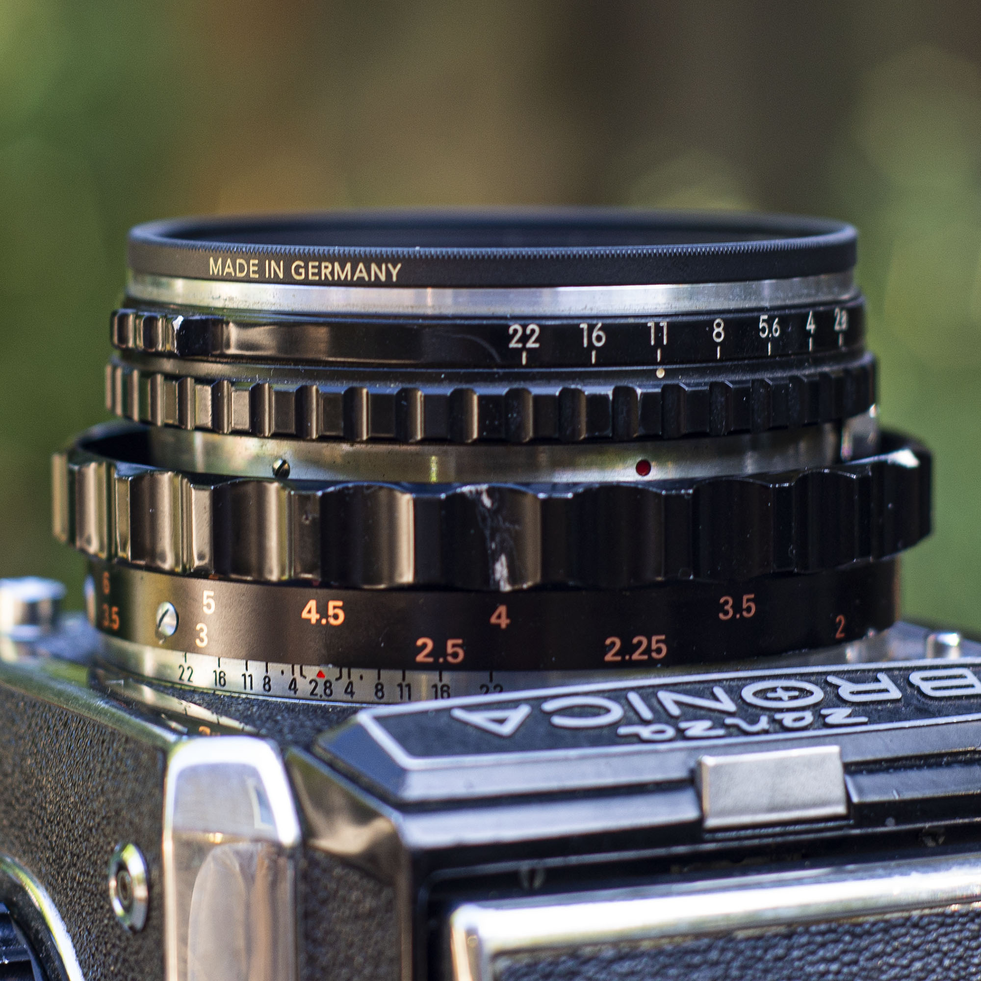 Bronica-Nikkor lens focal scale and aperture ring
