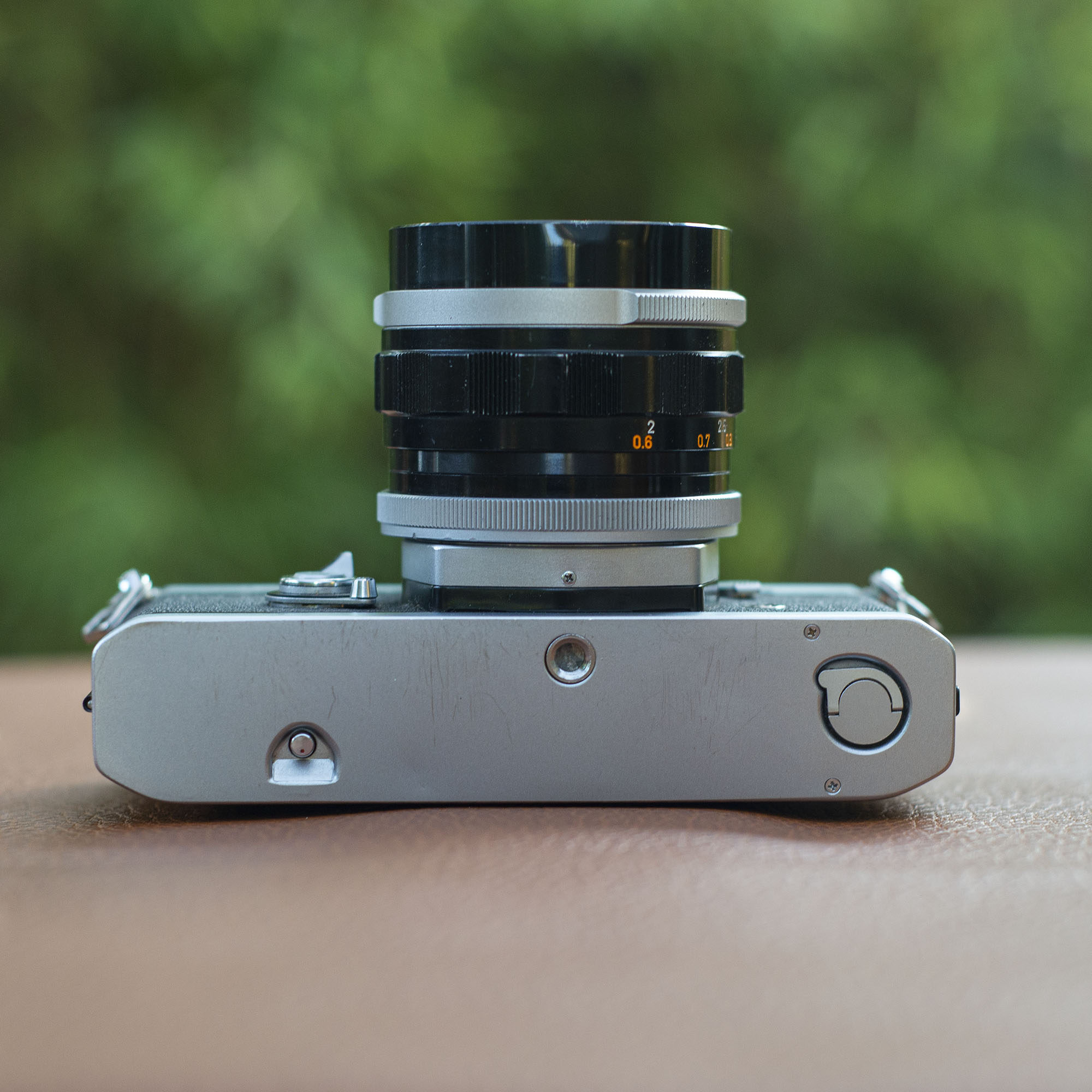 Canon FT bottom - case lock and rewind button