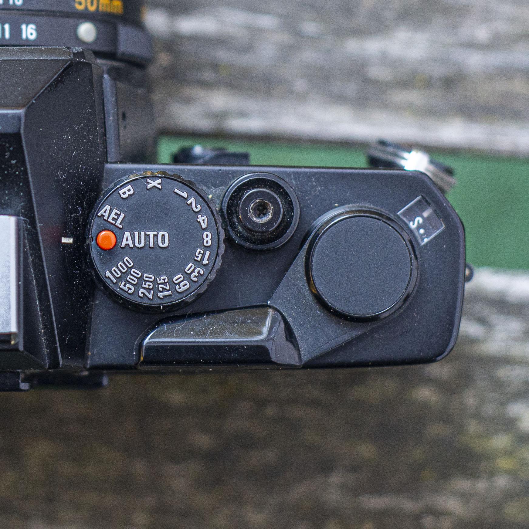 Mamiya ZE-2 shutter speeds