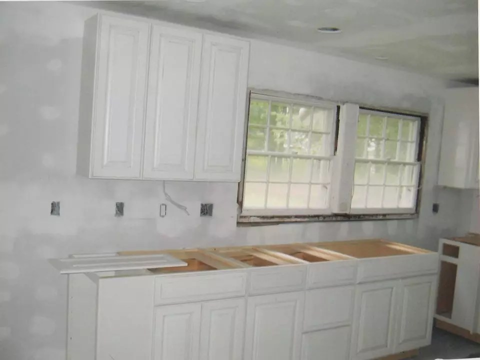 Kitchen Remodeling in East Longmeadow, MA (9362)