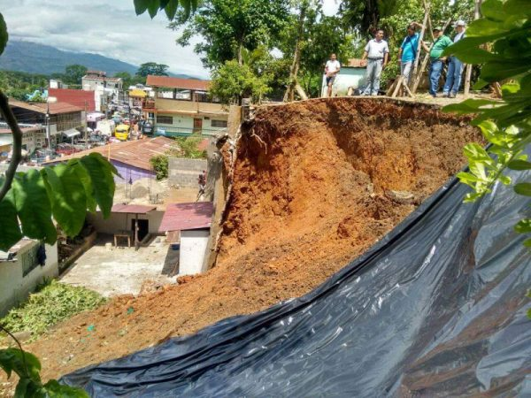 Heavy rain caused landslides, such as this one in Panzos, Alta Verapaz, Guatemala. Photo: Conred