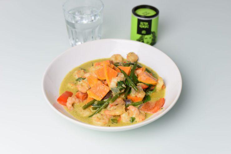 Thai-Curry mit Süsskartoffeln und Garnelen