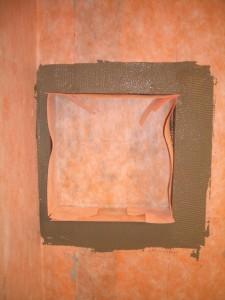 Placing the kerdi into the niche
