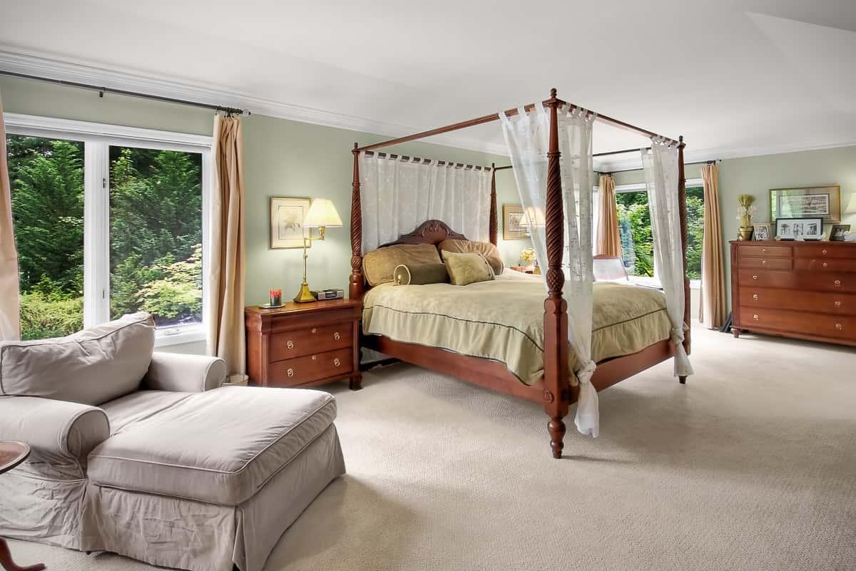 Before-Artstic Bedroom