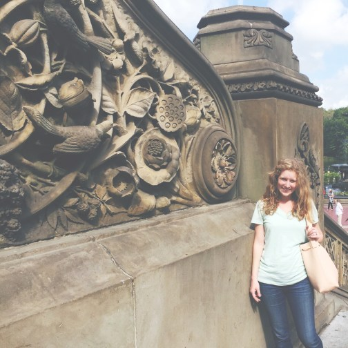 Holding my pastel purse in Central Park.