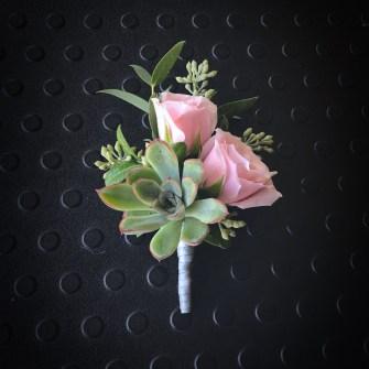 Succulent & mini roses