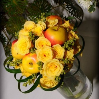 Yellow bouquet with miniature apples