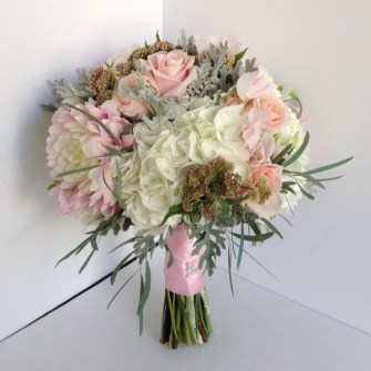 soft pink and white rustic bouquet