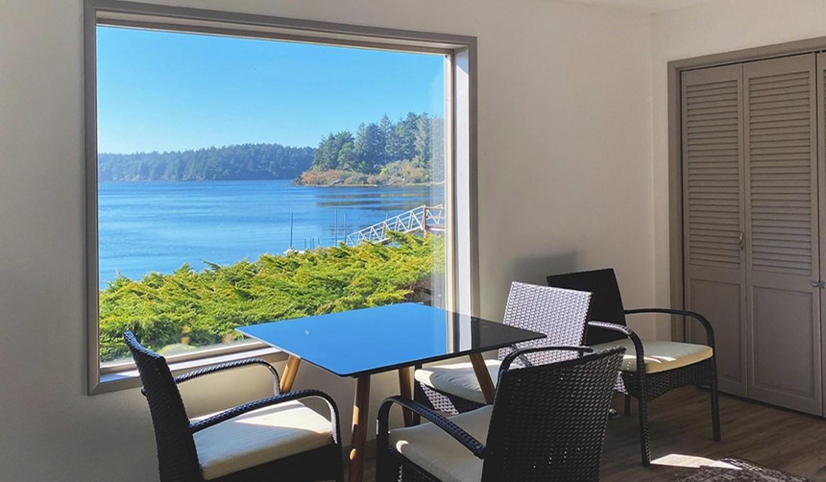 Apartment at the Floras Lake Getaway