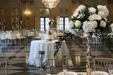 Downtown Kansas City Elegant Wedding. Kansas City Wedding Florist. Kansas City Wedding Flowers