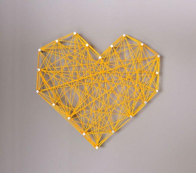 Un coeur pour la Saint Valentin, des fils entrelacés comme dans les bijoux Florence Beauloye. L'importance des liens est évoquée dans la trame des fils.
