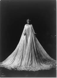 Loie Fuller, American dancer