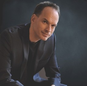 Daniel Myssyk conductcor