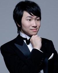 Tomoki Sakata pianist