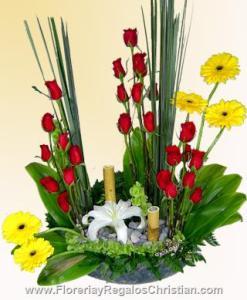 Arreglo floral de rosas y gerberas. E5