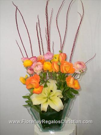 Florero de Concador Rosas y Renáculas - E54