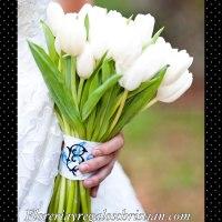 Ramo de novia con 25 tulipanes. Envío a domiclio en Tijuana.