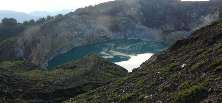Kelimutu Tri colour crater lakes Moni