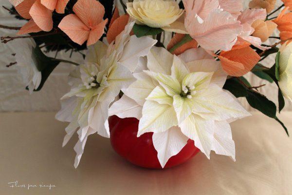 flores de pascua blancas de papel crepé