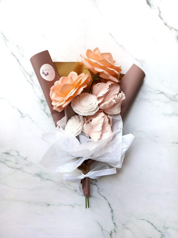 ramo con 6 flores de papel
