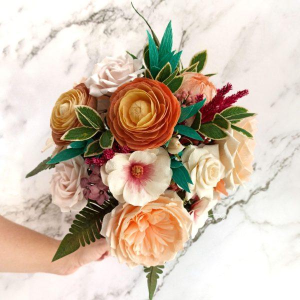 Ramo de novia con peonías y rosas inglesas