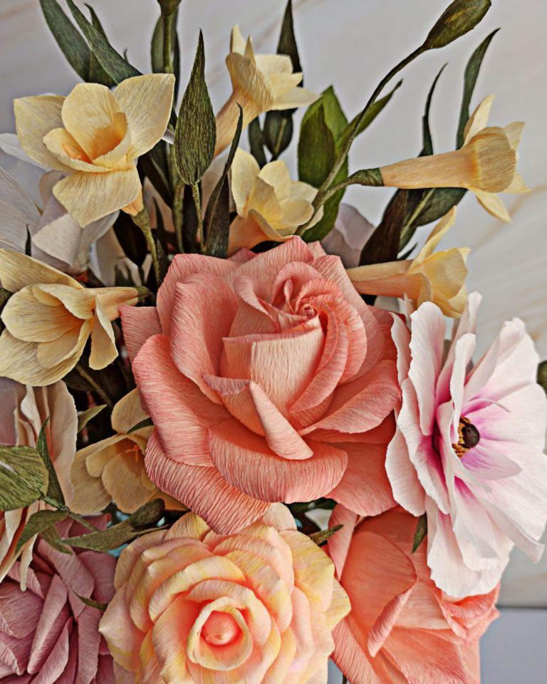 rosas de papel para ramo, flores para siempre, flores de papel crepe