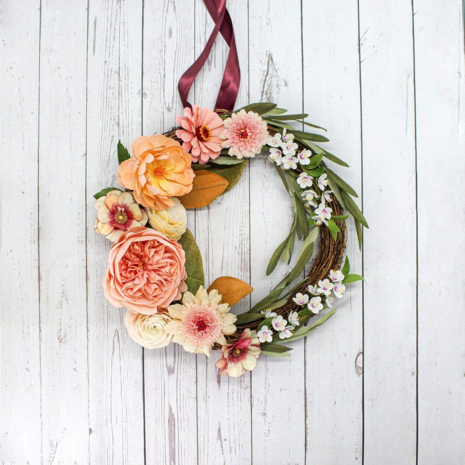 Corona de flores de papel para la puerta, corona de rosas de papel, corona hecha a mano