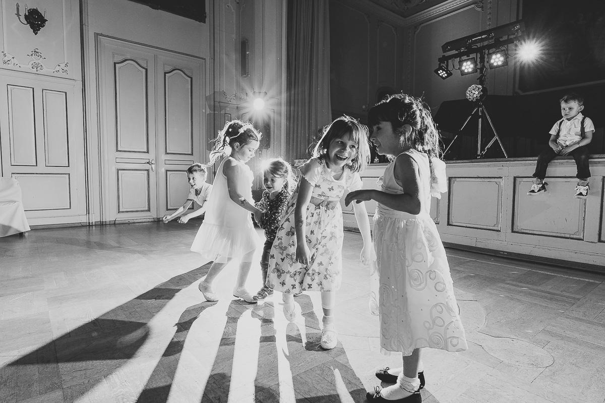 hochzeitsreportage_hochzeitsfotografie_frankfurt_rhein-main_florian_leist_hochzeitsfotograf_carina_kolja_wedding_photography_portrait_jornalismus_hochzeitsjornalismus_0029