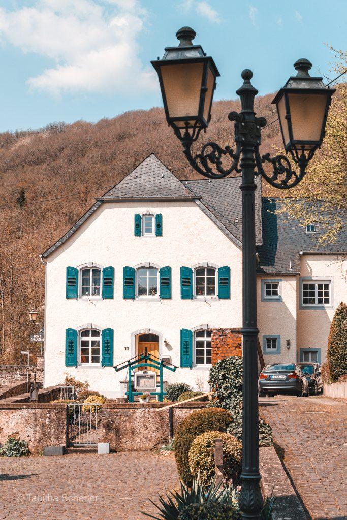 Eifel Gebäude  Monreal in der Eifel