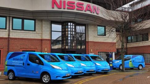 Nissan gjithashtu shet një numër më të ulët të e-NV200, furgona elektrike. Që nga tetori 2015