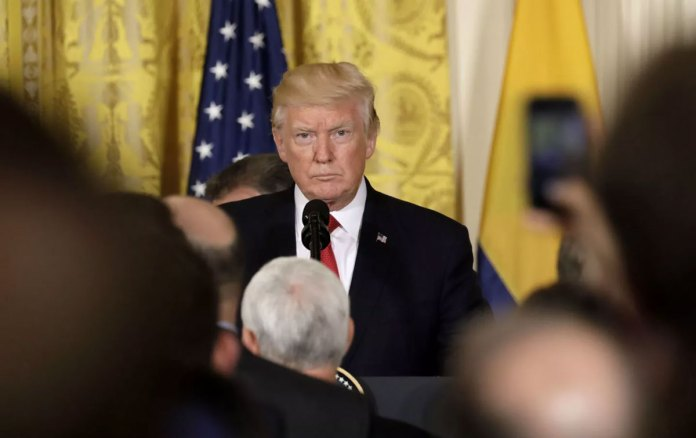 White House in crisis, Trump Looks Increasingly Isolated