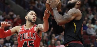 LeBron Gets 33 Points in Triple-Double, Cavs Beat Bulls