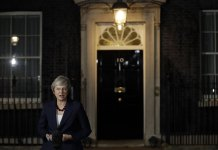 British Prime Minister Theresa May Wins Cabinet Backing for Brexit Deal