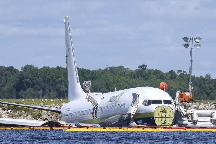 Pilots Made Runway Change Before Jet Hit St. Johns river