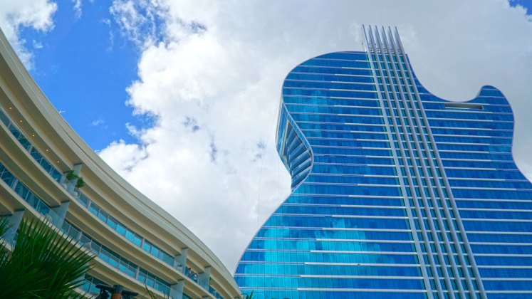 Guitar Hotel Brings 'Las Vegas' Feeling to South Florida