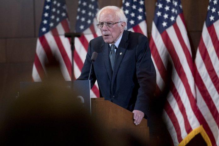 Analysis: Iowa Democrats Drawn to Two Faces of Change