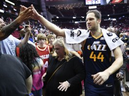NBA to Players: Avoid High-fives as Virus Concern Grows