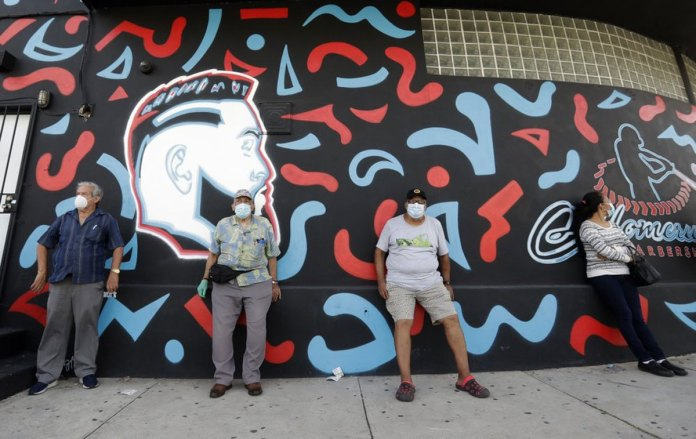 Florida site of GOP convention orders wearing of masks