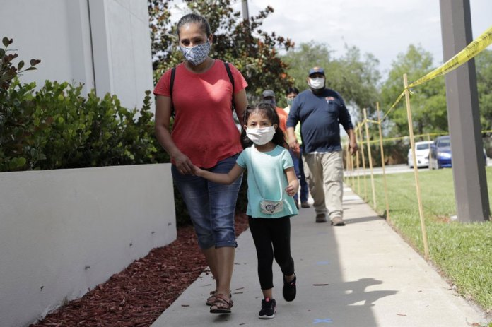 Migrant towns in Florida become coronavirus hot spots in US