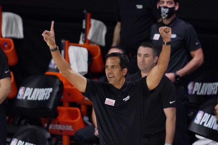 Heat use big 4th quarter to take 3-0 series lead over Bucks