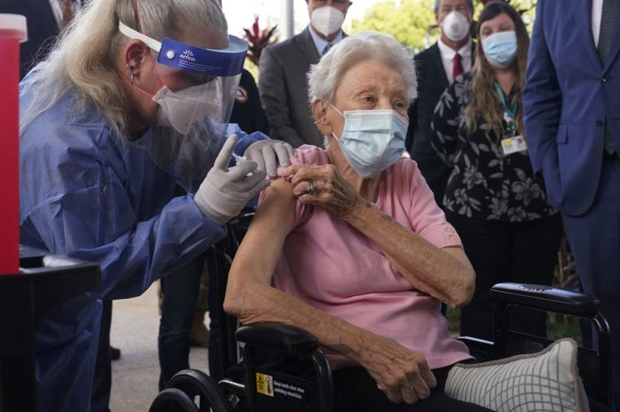 COVID-19 vaccination rolls out in Florida nursing homes