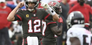 Brady throws for 4 TDs, Bucs pull away from Falcons 44-27