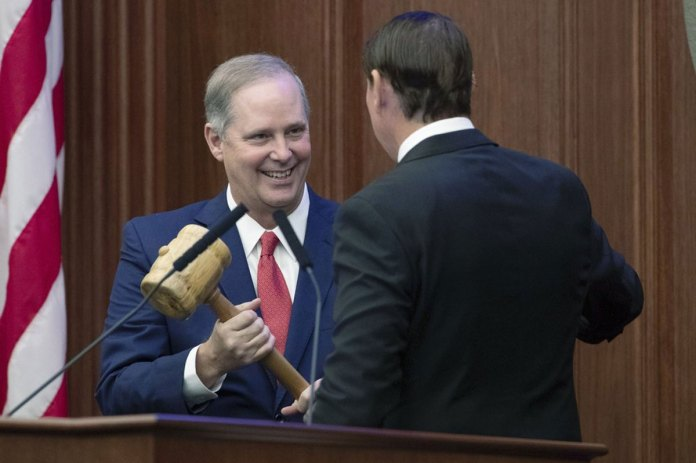 Florida lawmakers face challenges as 60-day session begins