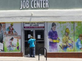 Jobless claims plunge to 576,000, lowest since pandemic