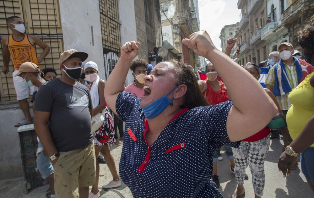 Demonstrators in Havana protest shortages, rising prices